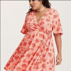 Torrid Georgette Floral Wrap Dress Coral NWOT